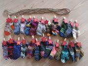 Adventskalender mit kleinen Socken Söckchen