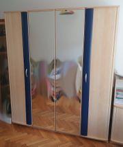 4-türiger Schrank für Jugendzimmer mit