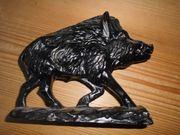 Wildschwein als Briefbeschwerer aus Spritzguß