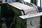 Robuste Bandschleifmaschine 300 x 1000