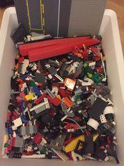 Große Kiste Lego bunt gemischt
