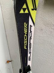Komplettset aus Fischer Superior Ski