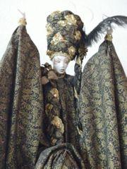 Marionettenpuppe orientalisch mit Porzellan