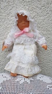 Hochwertige entzückende Babypuppe Carolina