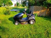 Garten Arbeit Rasenmehen