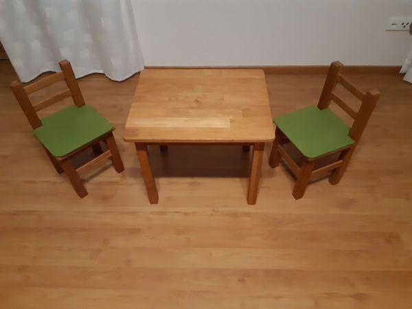 Kleinkinder Möbel Tisch und Stühle