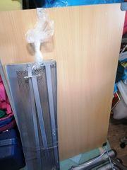 Höhenverstellbarer Schreibtisch mit neigbare Tischplatte