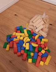 Bausteine Bauklötze aus Holz Wackelturm