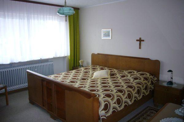 Altes Schlafzimmer / Schränke aus Omas Zeiten kompl. in St Julian ...