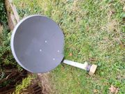 Satelittenschüssel Marke WISI mit Halterung