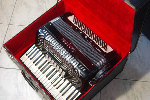 Akkordeon Sartori Maestro II 41