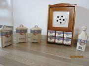 Antike Vorratsdosen/Schränkchen