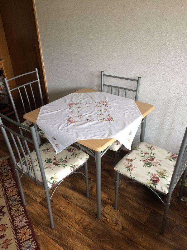 stabiler Küchentisch mit 4 Stühlen in Osnabrück - Küchenmöbel ...