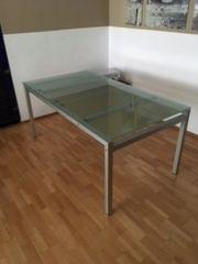 Tisch / Schreibtisch / Esstisch,