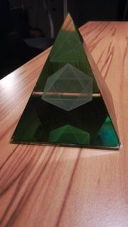 Kristallpyramide Metatron