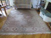 Gut erhaltener Nepal-Teppich