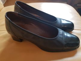 Schwarzer Damenschuh - Grösse 41