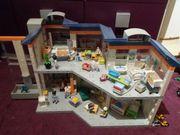 Playmobil Krankenhaus 4404 und Krankenwagen