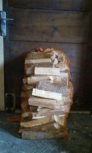 Günstig Brennholz im praktischen Sack
