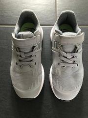 Nike Turnschuhe Größe 31