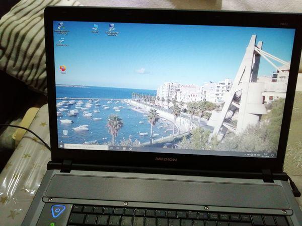 Laptop der Marke Medion.