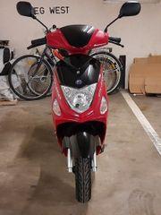 Motorroller Alpha motors 03 2020