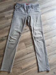 Jeans grau S Oliver Größe