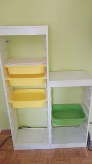 Kinderzimmerregale offen zu verschenken