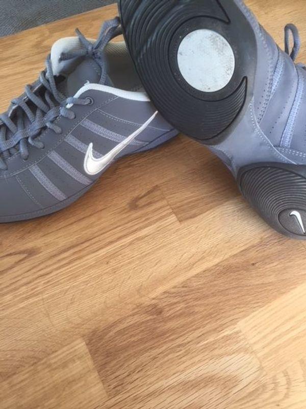Nike Tanzschuh, Größe 42 (fällt wie 41 aus) in Pfungstadt
