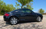 Audi TT Coupe schwarz