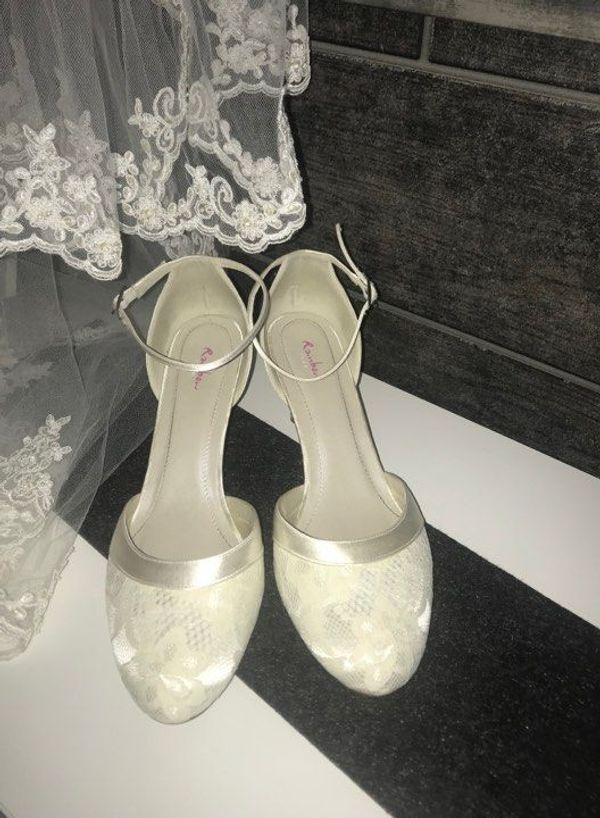 c609462893857c Brautschuhe günstig gebraucht kaufen - Brautschuhe verkaufen - dhd24.com