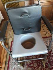 Toilettenstuhl fahrbar