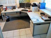 Profi Schreibtisch rechtwinklig mit Rollunterschrank