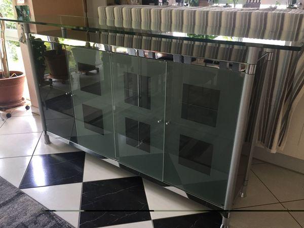 Glas-Sideboard