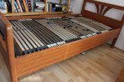 motorisierter Lattenrost Bett aus Kirschbaumholz