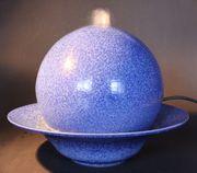 Wunderschöner blau melierter Zimmerbrunnen Kugel