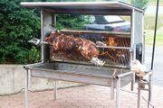 Schweinegrill aus V2A holzbefeuert