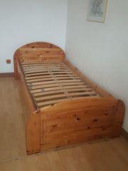Massivholz-Bett inkl Lattenrost