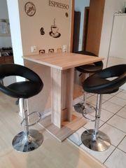 Set 3 Barhocker und Tisch