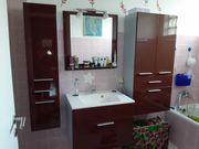 Badezimmermöbel Hochglanz weinrot