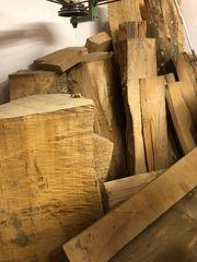 Abgelagertes Lindenholz zum Schnitzen und