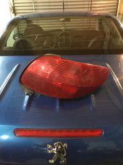 Rote Rückleuchten Peugeot