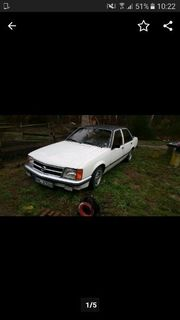 Oldtimer Opel Commodore 2 5