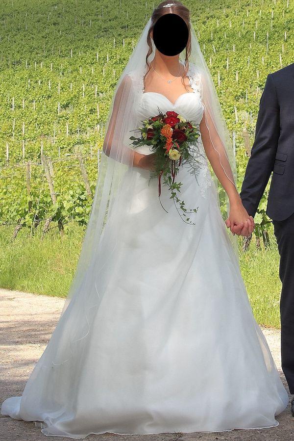 Wunderschönes Brautkleid in Ivory Größe