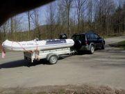Schlauchboot mit Aussenbordmotor 20 PS