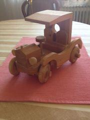 Spiel-Auto aus Naturholz Forche sehr