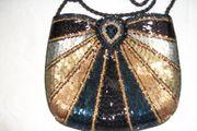 Damentasche elegant auf beiden Seiten