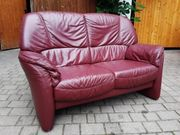 2 Sitzer Sofa und Sessel