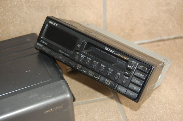 SONY Autoradio und CD-Wechsler