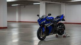 Yamaha über 500 ccm - Yamaha R1 RN12
